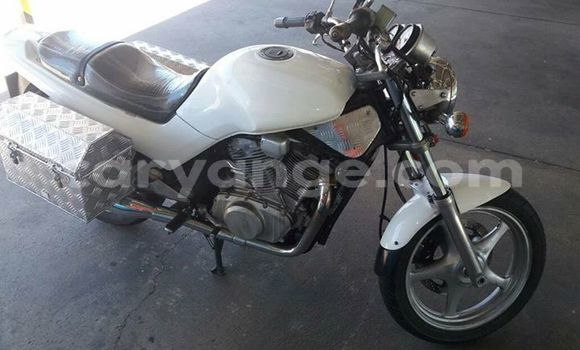 Buy Used Suzuki VX800 White Bike in Windhoek in Namibia