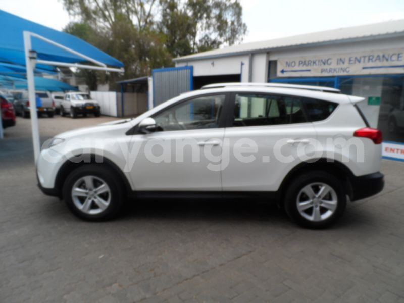 Big with watermark 2013 toyota rav 4 c