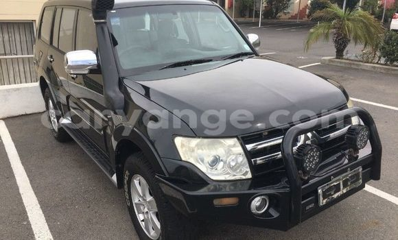 Buy Used Mitsubishi Pajero Black Car in Windhoek in Namibia