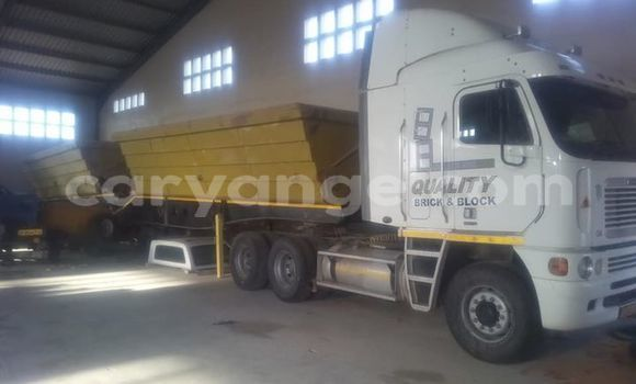 Buy Used Freightliner 90 Cum 500 White Truck in Swakopmund in Namibia