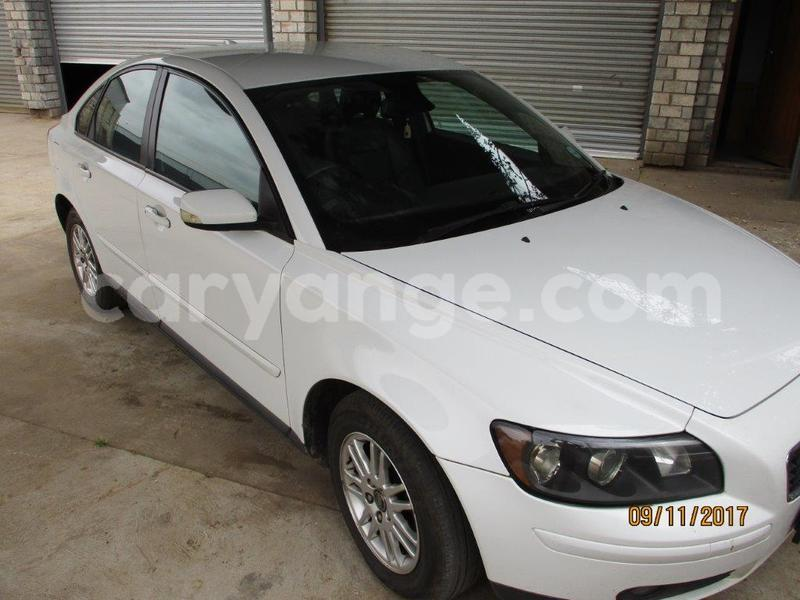 Big with watermark volvo s40 1.8 010
