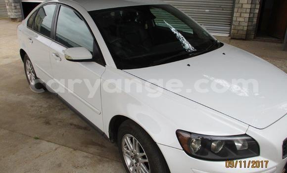Buy Used Volvo S40 White Car in Walvis Bay in Namibia