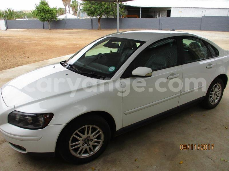 Big with watermark volvo s40 1.8 009