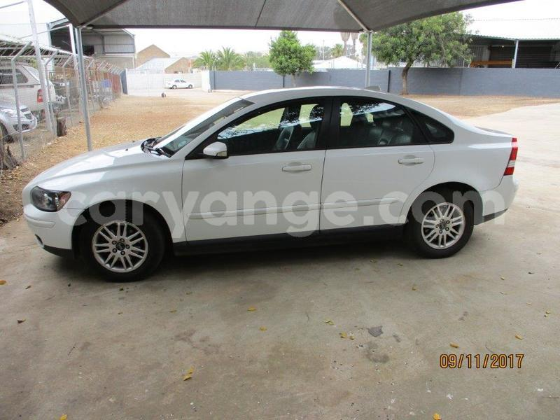Big with watermark volvo s40 1.8 008