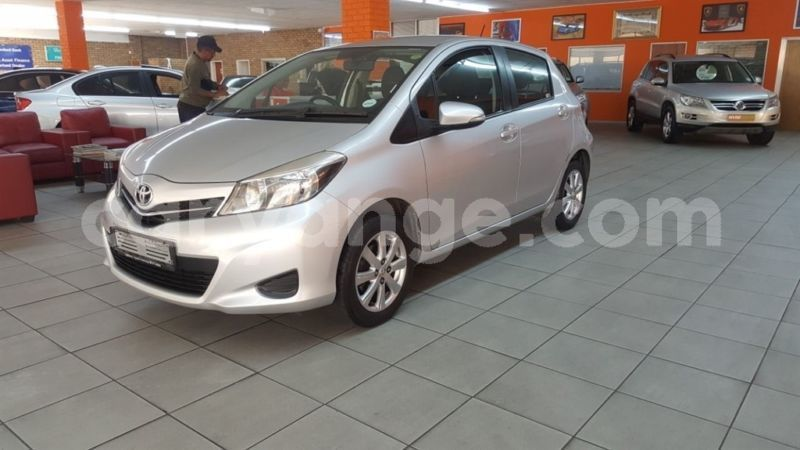 Big with watermark 2012 toyota y4