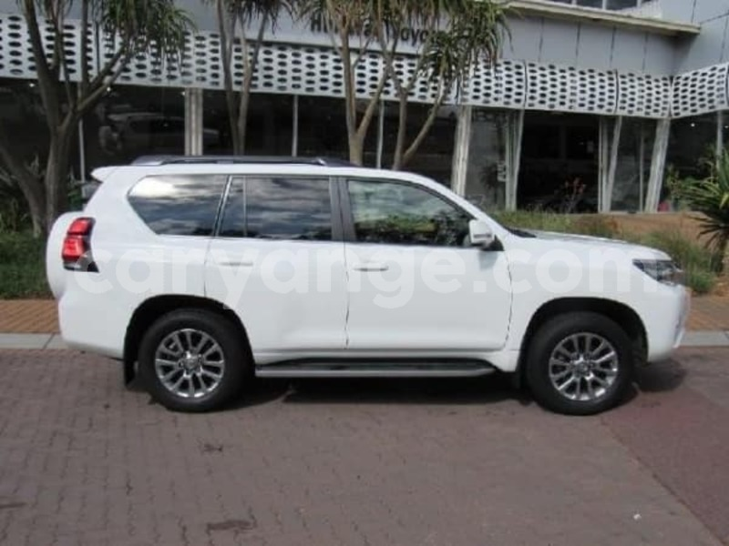 Big with watermark 2017 toyota prado d