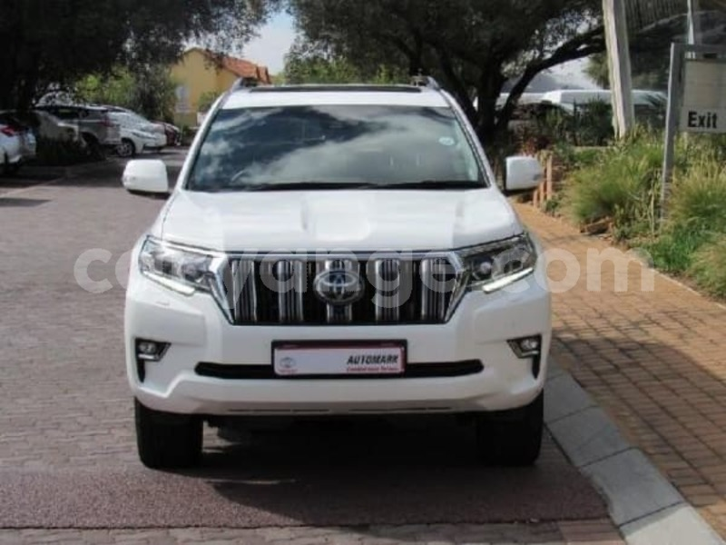Big with watermark 2017 toyota prado b