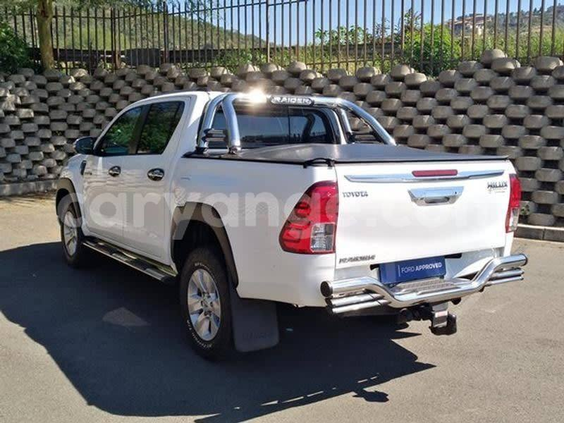 Big with watermark 2017 toyota hilux 4