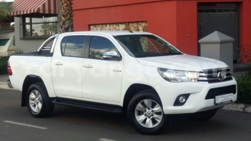 Big with watermark 2016 toyota hilux 1