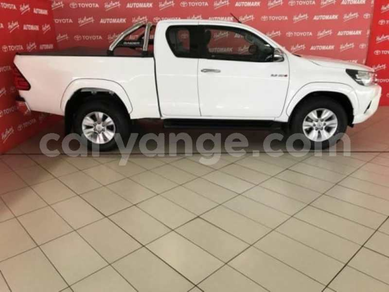 Big with watermark 2016 toyota hilux 2.8 c
