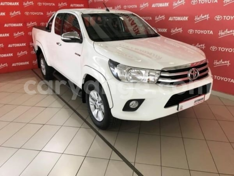 Big with watermark 2016 toyota hilux 2.8 a