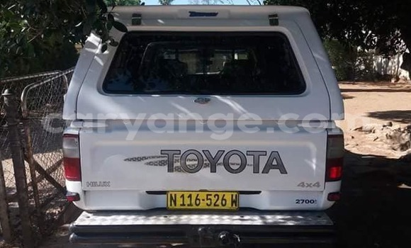 Buy Used Toyota Hilux White Car in Rehoboth in Hardap
