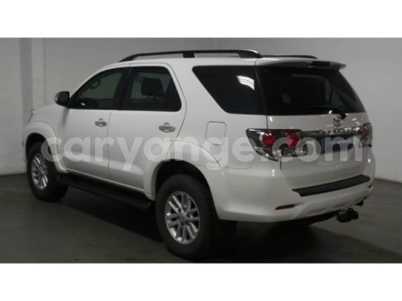 Big with watermark 2015 toyota fortuner 7