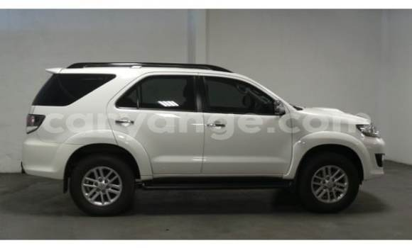 Buy Used Toyota Fortuner White Car in Walvis Bay in Namibia