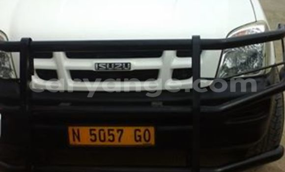 Buy Used Isuzu D–MAX White Car in Swakopmund in Namibia