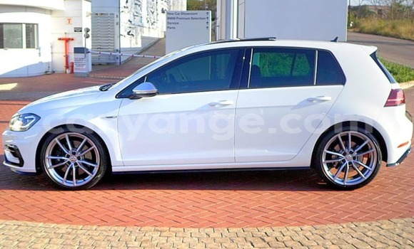 Buy Used Volkswagen Golf White Car in Warmbad in Karas