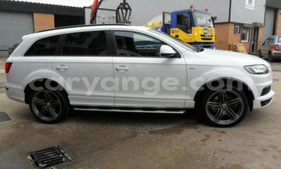 Buy Used Audi Q7 White Car in Grootfontein in Namibia