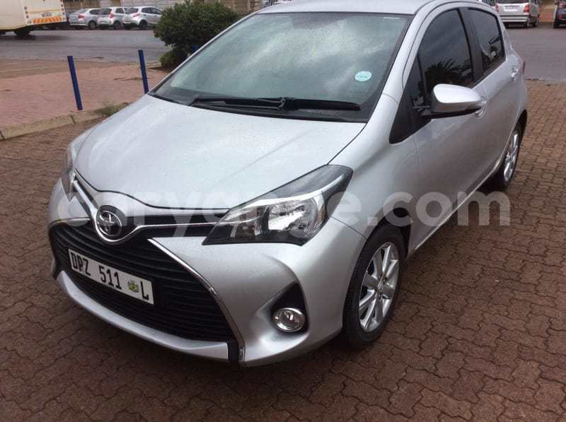 Big with watermark 2016toyotayaris2