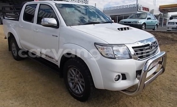 Buy Used Toyota Hilux White Car in Henties Bay in Erongo