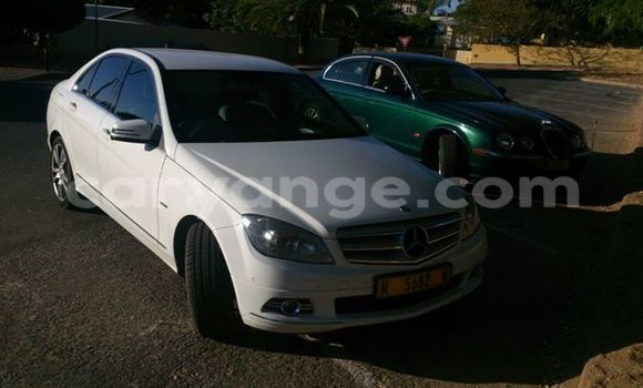Buy Used Mercedes-Benz 190 White Car in Windhoek in Namibia