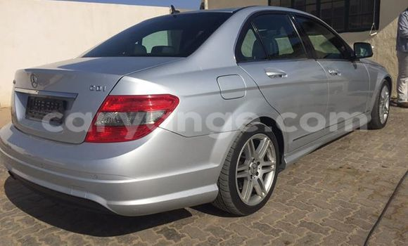 Buy Used Mercedes‒Benz 190 Black Car in Walvis Bay in Namibia