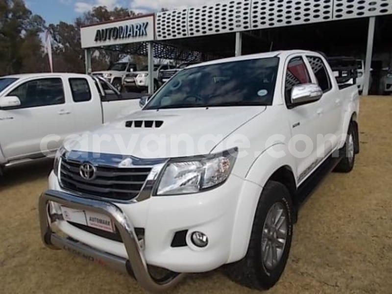 Big with watermark 2015 toyota hilux 3.0 d 4d legend