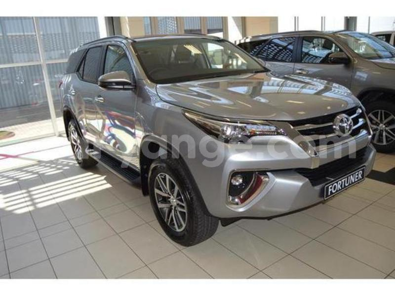 Big with watermark 2017 toyota fortuner 2