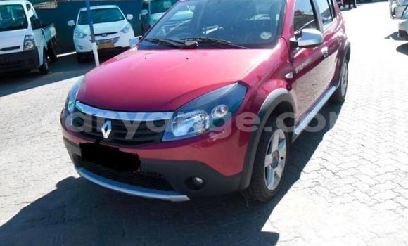 Buy Used Renault 19 Red Car in Windhoek in Namibia