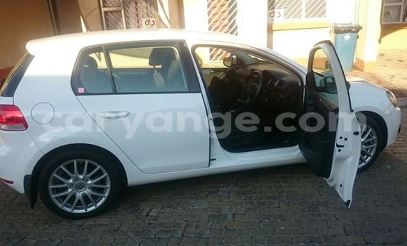 Buy Used Volkswagen Beetle White Car in Windhoek in Namibia