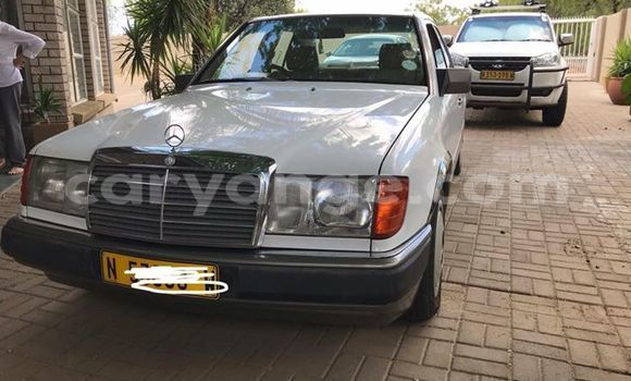 Buy Used Mercedes-Benz E-klasse White Car in Windhoek in Namibia