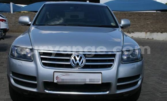 Buy Used Volkswagen Touareg White Car in Windhoek in Namibia