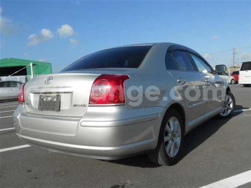 Big with watermark 2009 toyota avensis 3