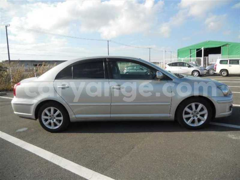 Big with watermark 2009 toyota avensis 4