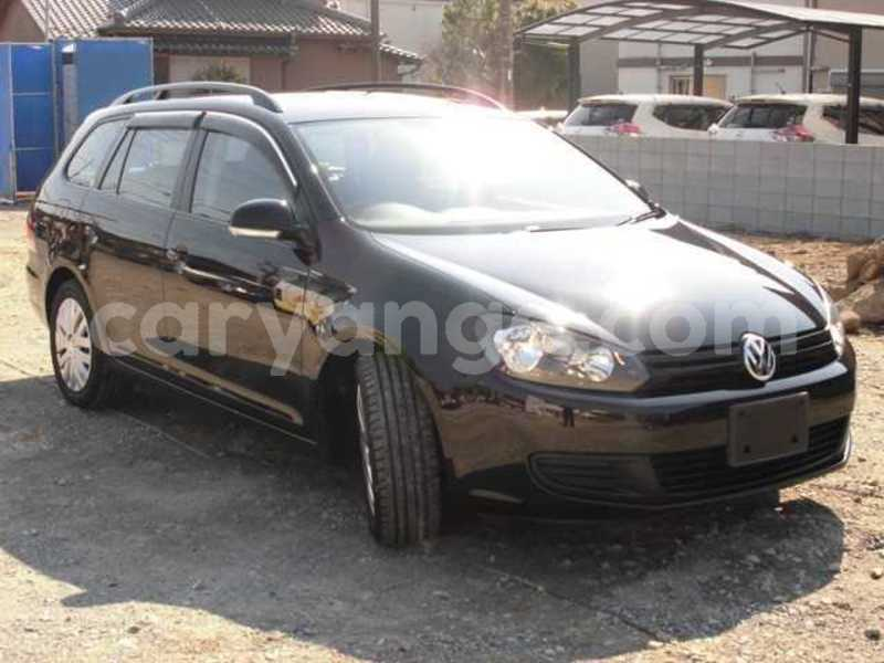 Big with watermark 2010 volkswagen golf variant 3