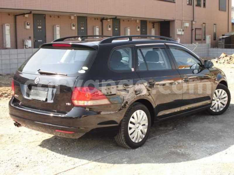 Big with watermark 2010 volkswagen golf variant 4