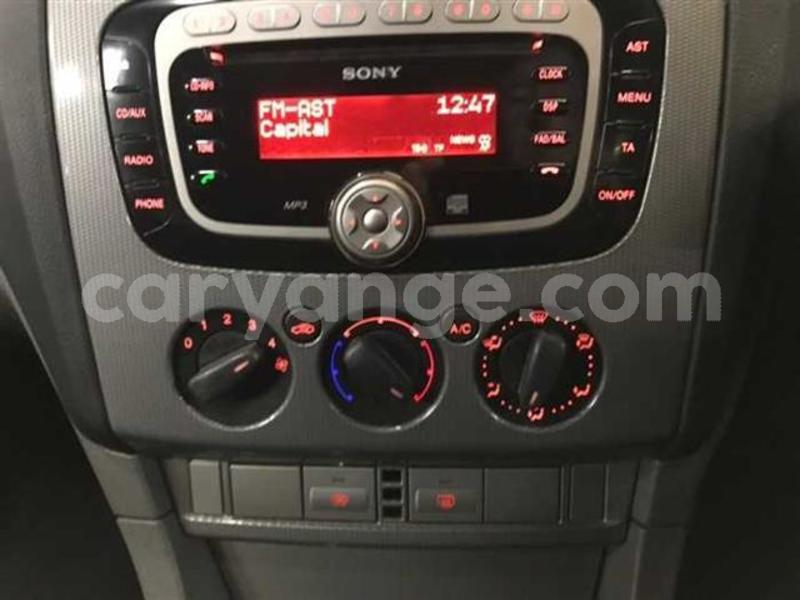 Big with watermark 2008 ford focus 1