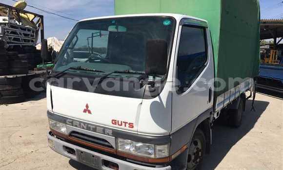 Buy Used Mitsubishi L400 White Truck in Katima Mulilo in Caprivi