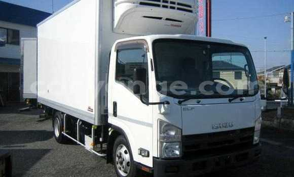Buy Used Mitsubishi Van White Truck in Grootfontein in Namibia