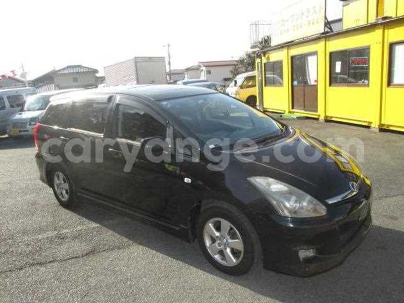 Big with watermark 2005 toyota wish