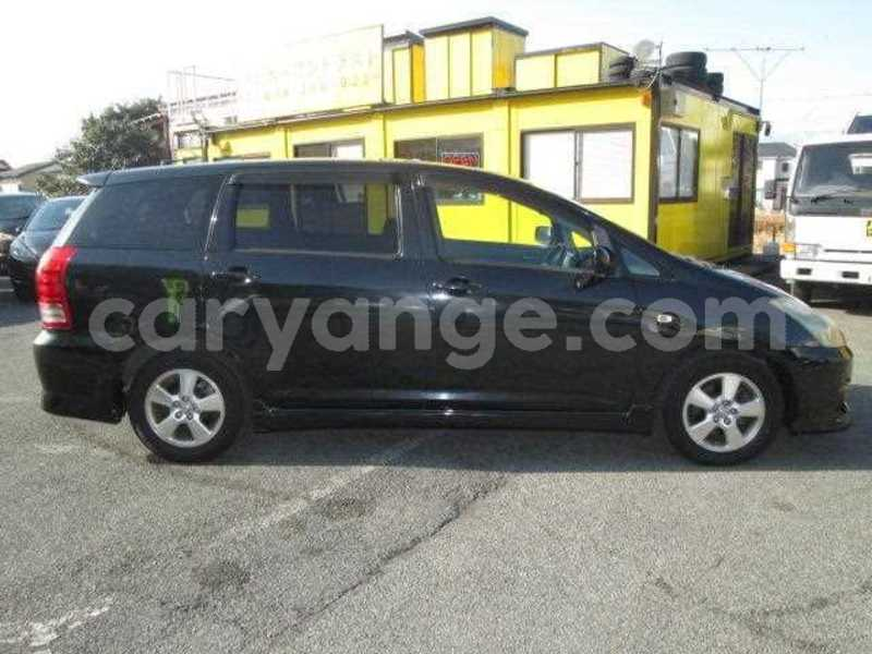 Big with watermark 2005 toyota wish 2