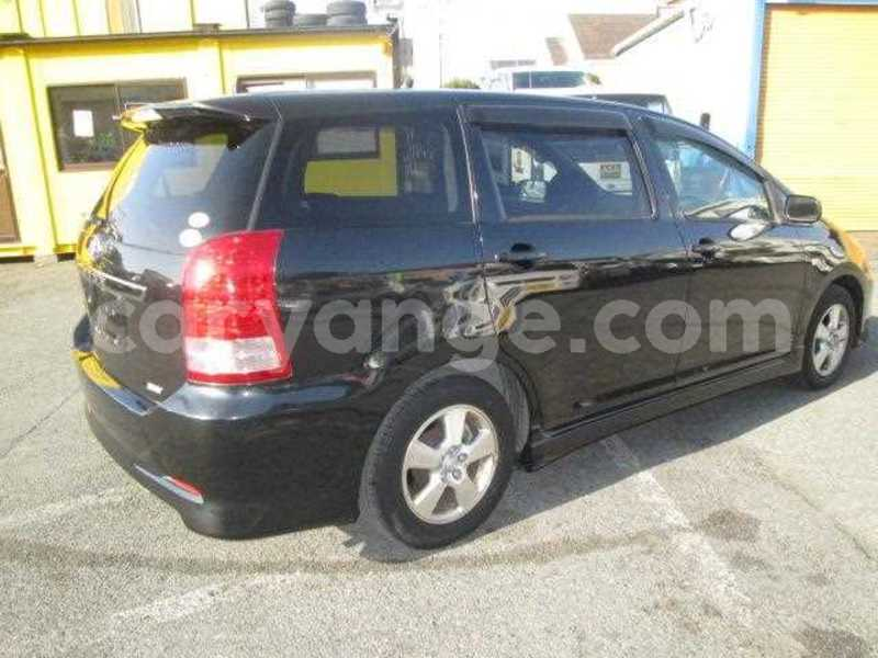 Big with watermark 2005 toyota wish 4