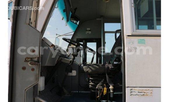 Buy Import Tata Xenon White Car in Import - Dubai in Namibia