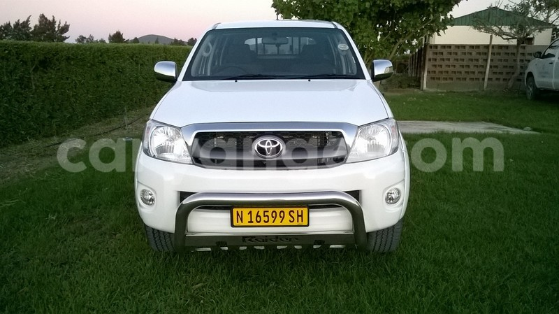 Big with watermark hilux 2