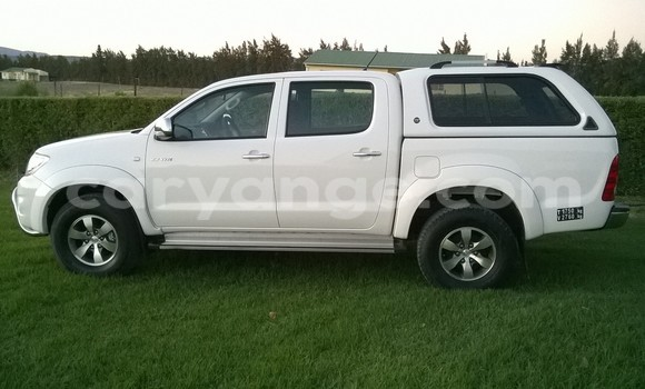 Buy Used Toyota Hilux White Car in Keetmanshoop in Namibia