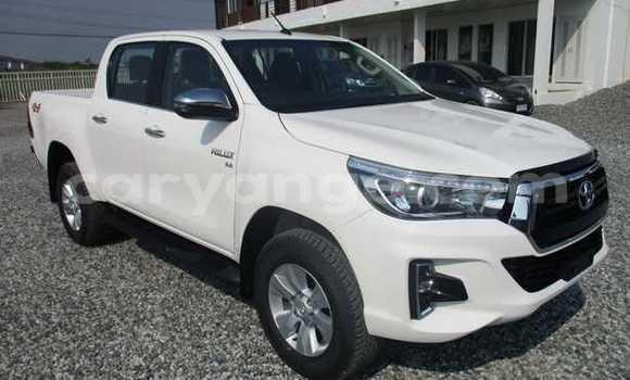 Buy Used Toyota Hilux White Car in Okakarara in Otjozondjupa
