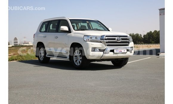 Buy Import Toyota IST White Car in Import - Dubai in Namibia