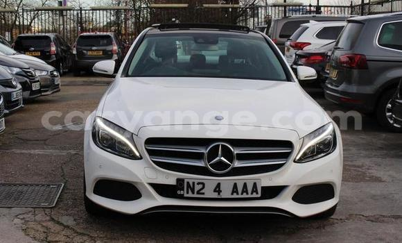 Buy Used Mercedes-Benz C-klasse White Car in Oshakati in Namibia