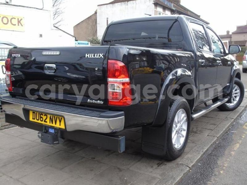 Big with watermark 2012 toyotahilux 2