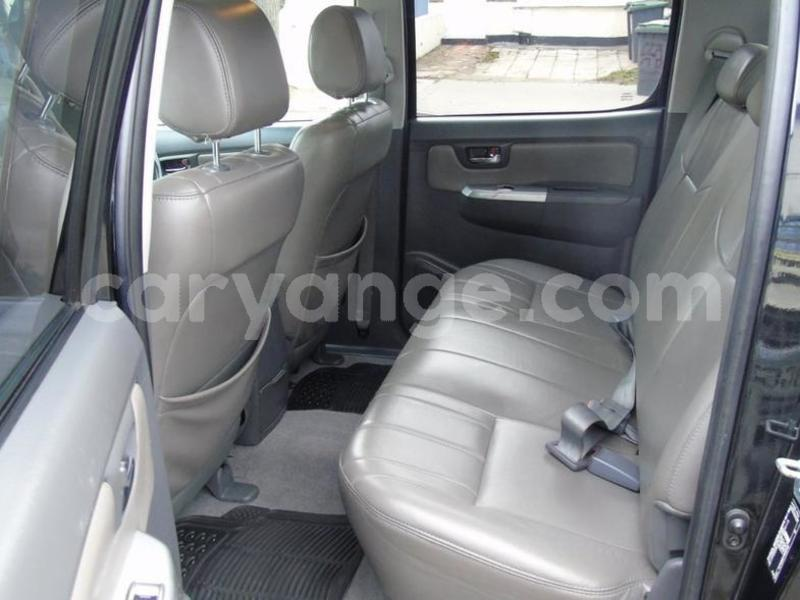 Big with watermark 2012 toyotahilux 6