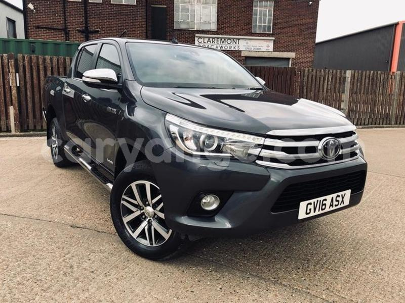 Big with watermark 2016 toyotahilux 1
